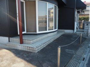 店舗正面駐車場