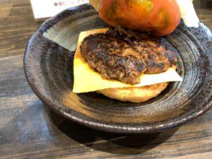 馬肉のハンバーガー